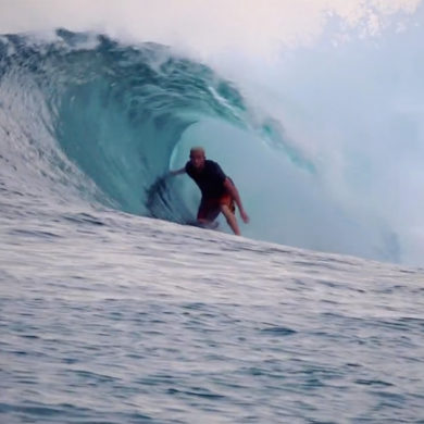 Vidéo de surf aux Mentawais en Indonesie